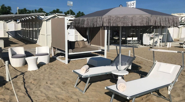 Beach experience we me suite hotel riccione